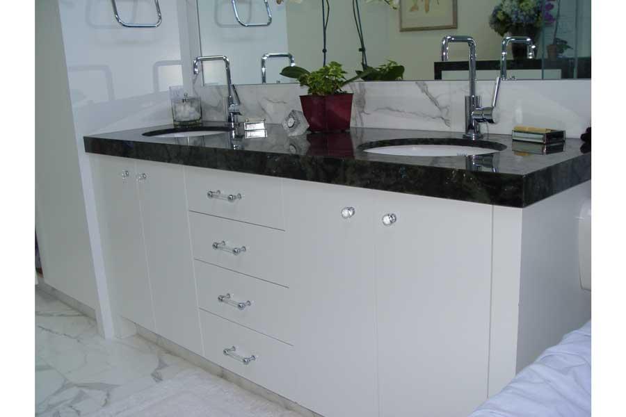 Rinconda Bathroom